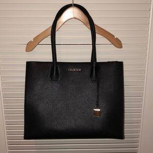 dc97cdb78 Michael Kors Bags - MICHAEL KORS Mercer Extra Large Leather Tote